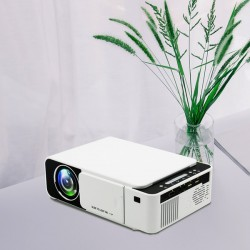 UNIC T5 Projector